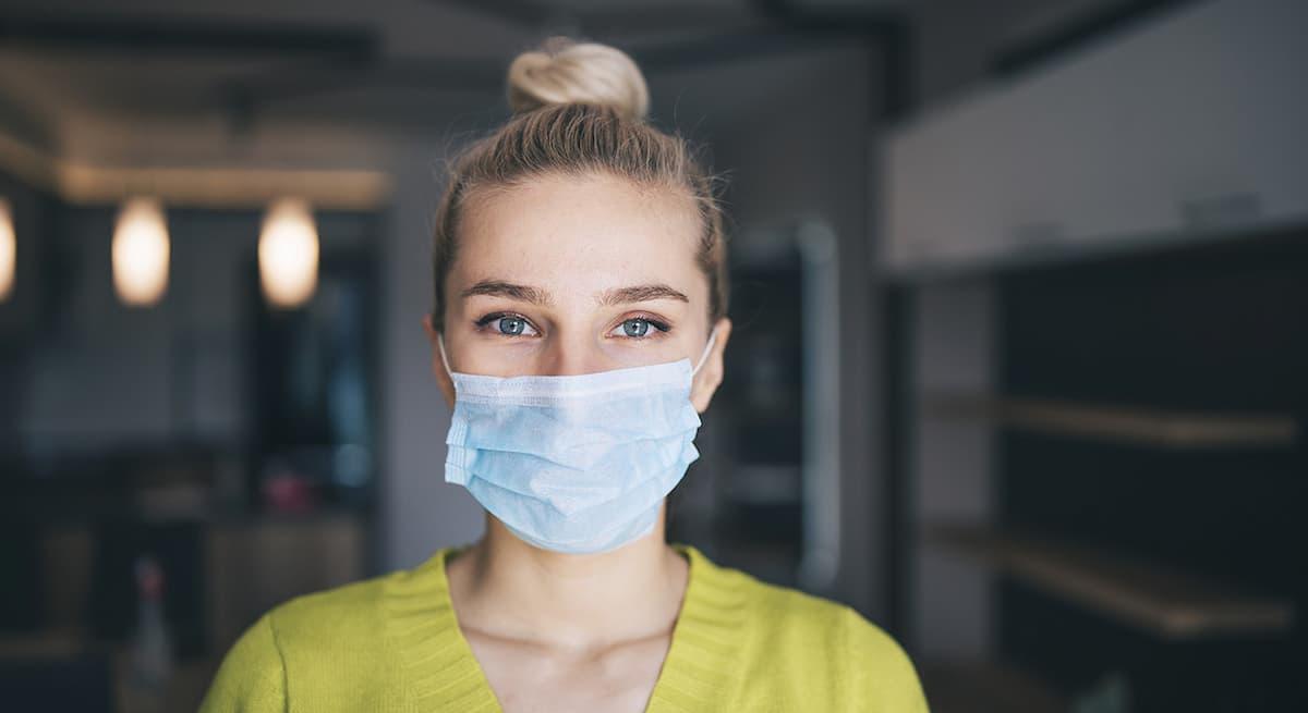 Coronavirus, domenica 2 maggio solo 9.148 nuovi casi e 144 morti, -30% sul 25 aprile, calo vero o effetto primo maggio? Ma troppi ammucchiati e senza mascherina